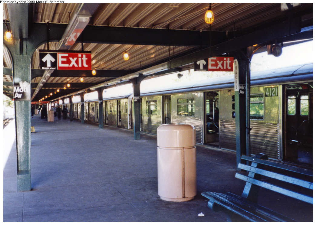 (282k, 1044x744)<br><b>Country:</b> United States<br><b>City:</b> New York<br><b>System:</b> New York City Transit<br><b>Line:</b> IND Rockaway<br><b>Location:</b> Mott Avenue/Far Rockaway <br><b>Route:</b> A<br><b>Car:</b> R-38 (St. Louis, 1966-1967)  4121 <br><b>Photo by:</b> Mark S. Feinman<br><b>Date:</b> 1993<br><b>Viewed (this week/total):</b> 5 / 1460
