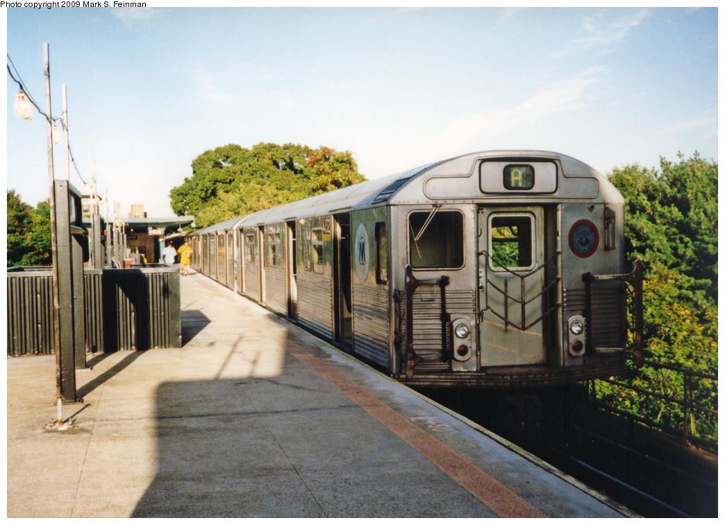 (273k, 1044x757)<br><b>Country:</b> United States<br><b>City:</b> New York<br><b>System:</b> New York City Transit<br><b>Line:</b> IND Rockaway<br><b>Location:</b> Mott Avenue/Far Rockaway <br><b>Route:</b> A<br><b>Car:</b> R-38 (St. Louis, 1966-1967)  4132 <br><b>Photo by:</b> Mark S. Feinman<br><b>Date:</b> 1993<br><b>Viewed (this week/total):</b> 0 / 1176