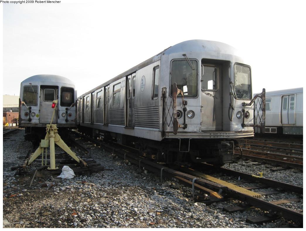 (230k, 1044x788)<br><b>Country:</b> United States<br><b>City:</b> New York<br><b>System:</b> New York City Transit<br><b>Location:</b> East New York Yard/Shops<br><b>Car:</b> R-42 (St. Louis, 1969-1970)  4814 <br><b>Photo by:</b> Robert Mencher<br><b>Date:</b> 12/14/2009<br><b>Viewed (this week/total):</b> 2 / 585