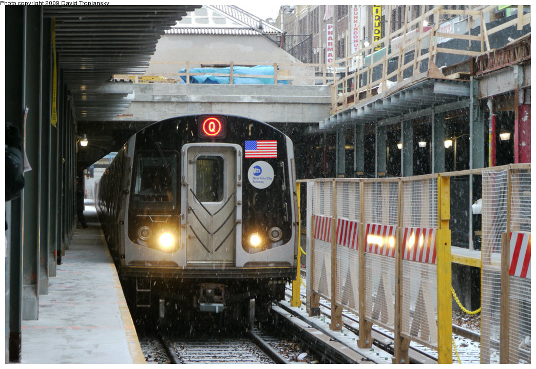 (285k, 1044x720)<br><b>Country:</b> United States<br><b>City:</b> New York<br><b>System:</b> New York City Transit<br><b>Line:</b> BMT Brighton Line<br><b>Location:</b> Newkirk Plaza (fmrly Newkirk Ave.) <br><b>Route:</b> Q<br><b>Car:</b> R-160B (Option 1) (Kawasaki, 2008-2009)  9132 <br><b>Photo by:</b> David Tropiansky<br><b>Date:</b> 12/19/2009<br><b>Viewed (this week/total):</b> 3 / 1698