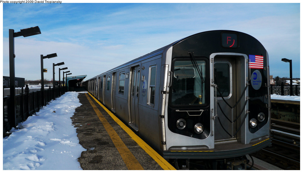 (201k, 1044x596)<br><b>Country:</b> United States<br><b>City:</b> New York<br><b>System:</b> New York City Transit<br><b>Line:</b> BMT Culver Line<br><b>Location:</b> Bay Parkway (22nd Avenue) <br><b>Route:</b> F<br><b>Car:</b> R-160B (Option 2) (Kawasaki, 2009)  9867 <br><b>Photo by:</b> David Tropiansky<br><b>Date:</b> 12/20/2009<br><b>Viewed (this week/total):</b> 0 / 1140