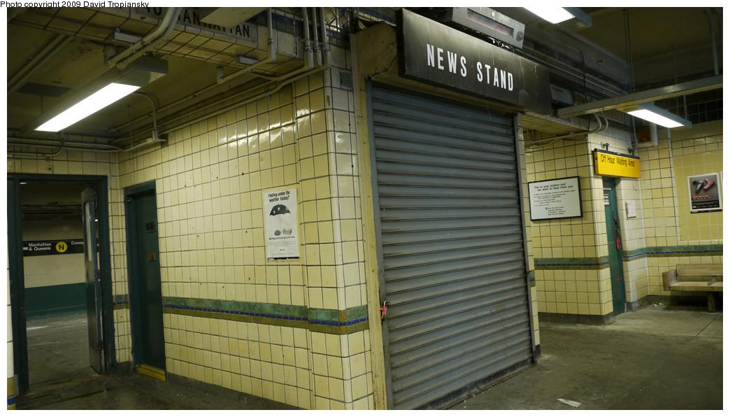(220k, 1044x596)<br><b>Country:</b> United States<br><b>City:</b> New York<br><b>System:</b> New York City Transit<br><b>Line:</b> BMT Sea Beach Line<br><b>Location:</b> 20th Avenue <br><b>Photo by:</b> David Tropiansky<br><b>Date:</b> 12/20/2009<br><b>Notes:</b> Defunct news stand inside 20th Ave station house.<br><b>Viewed (this week/total):</b> 1 / 986