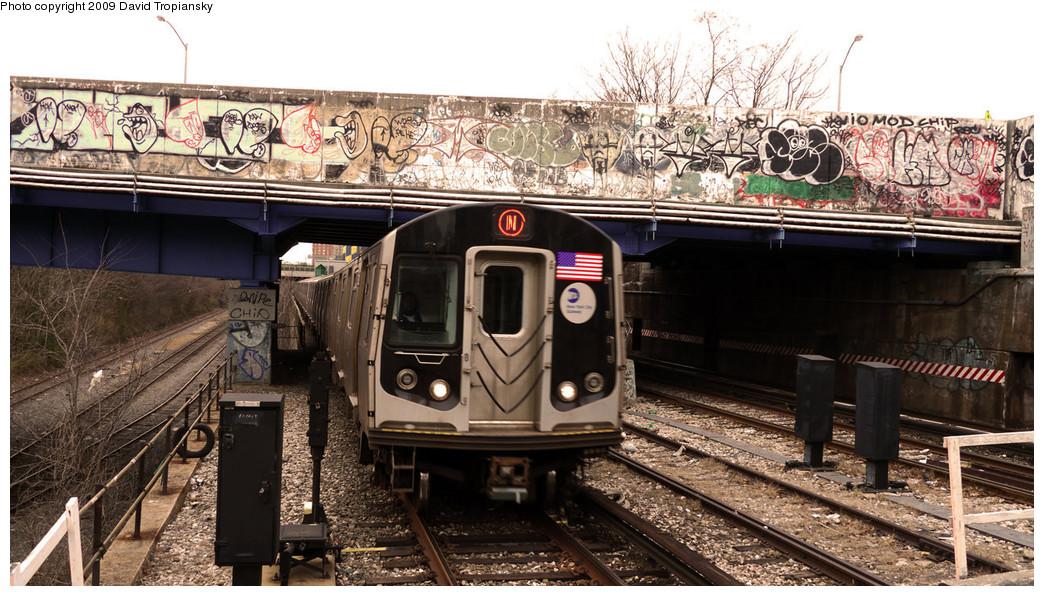(291k, 1044x596)<br><b>Country:</b> United States<br><b>City:</b> New York<br><b>System:</b> New York City Transit<br><b>Line:</b> BMT Sea Beach Line<br><b>Location:</b> 8th Avenue <br><b>Route:</b> N<br><b>Car:</b> R-160A/R-160B Series (Number Unknown)  <br><b>Photo by:</b> David Tropiansky<br><b>Date:</b> 12/19/2009<br><b>Viewed (this week/total):</b> 0 / 1541