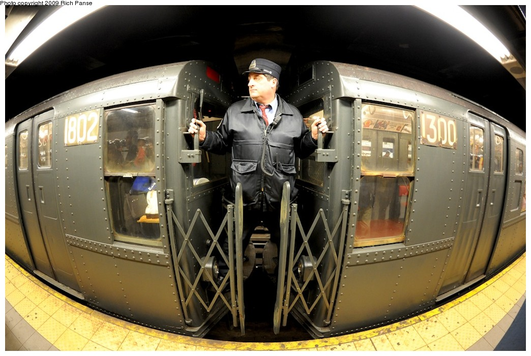 (186k, 1044x701)<br><b>Country:</b> United States<br><b>City:</b> New York<br><b>System:</b> New York City Transit<br><b>Line:</b> IND Queens Boulevard Line<br><b>Location:</b> Lexington Avenue-53rd Street <br><b>Route:</b> Museum Train Service (V)<br><b>Car:</b> R-9 (Pressed Steel, 1940)  1802 <br><b>Photo by:</b> Richard Panse<br><b>Date:</b> 12/13/2009<br><b>Viewed (this week/total):</b> 2 / 1863
