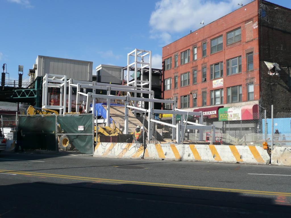 (142k, 1024x768)<br><b>Country:</b> United States<br><b>City:</b> New York<br><b>System:</b> New York City Transit<br><b>Line:</b> IRT Flushing Line<br><b>Location:</b> Court House Square/45th Road <br><b>Photo by:</b> Robbie Rosenfeld<br><b>Date:</b> 12/10/2009<br><b>Notes:</b> Construction of new transfer @ Court Sq<br><b>Viewed (this week/total):</b> 0 / 1151