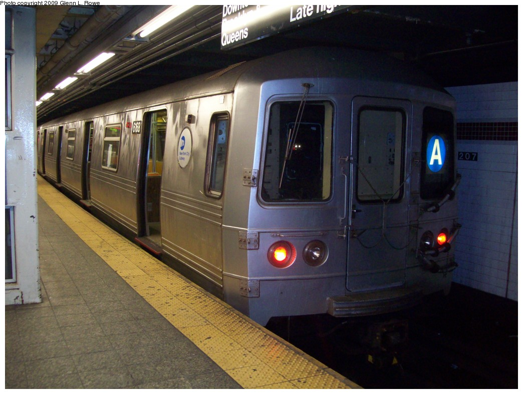 (199k, 1044x788)<br><b>Country:</b> United States<br><b>City:</b> New York<br><b>System:</b> New York City Transit<br><b>Line:</b> IND 8th Avenue Line<br><b>Location:</b> 207th Street <br><b>Route:</b> A<br><b>Car:</b> R-46 (Pullman-Standard, 1974-75) 6168 <br><b>Photo by:</b> Glenn L. Rowe<br><b>Date:</b> 12/23/2009<br><b>Viewed (this week/total):</b> 0 / 899