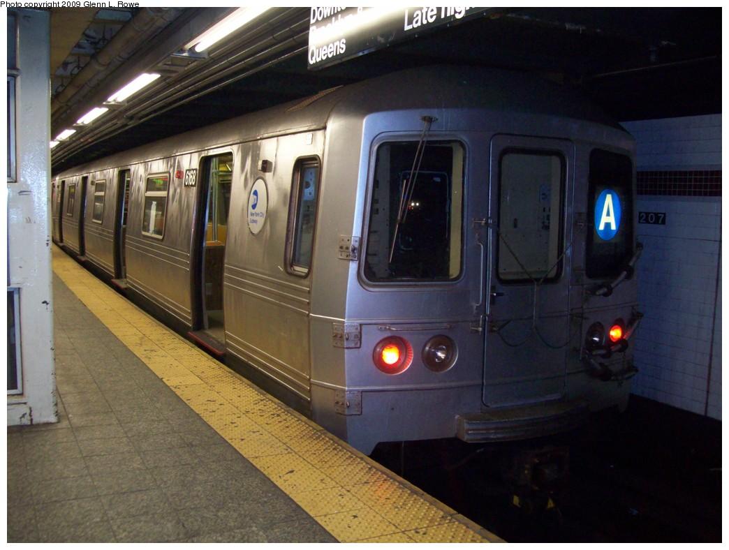 (199k, 1044x788)<br><b>Country:</b> United States<br><b>City:</b> New York<br><b>System:</b> New York City Transit<br><b>Line:</b> IND 8th Avenue Line<br><b>Location:</b> 207th Street <br><b>Route:</b> A<br><b>Car:</b> R-46 (Pullman-Standard, 1974-75) 6168 <br><b>Photo by:</b> Glenn L. Rowe<br><b>Date:</b> 12/23/2009<br><b>Viewed (this week/total):</b> 1 / 761