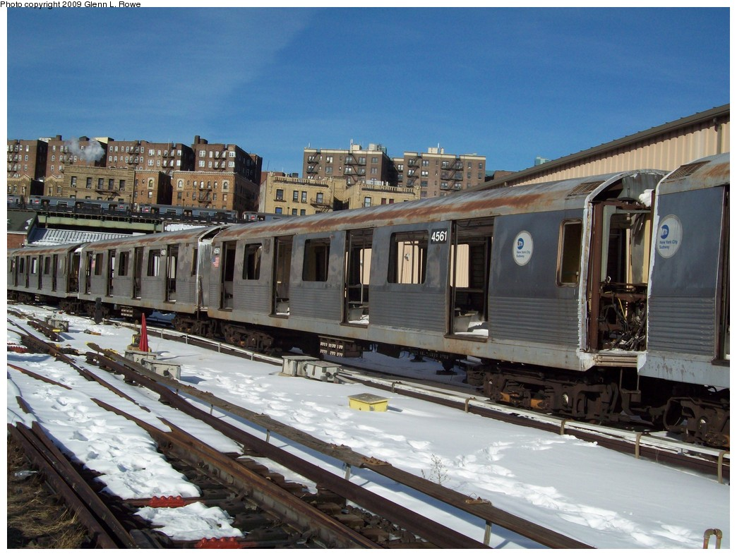 (239k, 1044x788)<br><b>Country:</b> United States<br><b>City:</b> New York<br><b>System:</b> New York City Transit<br><b>Location:</b> 207th Street Yard<br><b>Car:</b> R-42 (St. Louis, 1969-1970)  4561 <br><b>Photo by:</b> Glenn L. Rowe<br><b>Date:</b> 12/22/2009<br><b>Notes:</b> Scrap<br><b>Viewed (this week/total):</b> 0 / 840