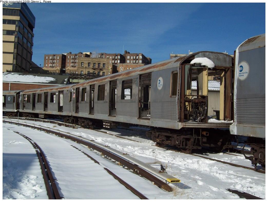 (222k, 1044x788)<br><b>Country:</b> United States<br><b>City:</b> New York<br><b>System:</b> New York City Transit<br><b>Location:</b> 207th Street Yard<br><b>Car:</b> R-42 (St. Louis, 1969-1970)  4597 <br><b>Photo by:</b> Glenn L. Rowe<br><b>Date:</b> 12/22/2009<br><b>Notes:</b> Scrap<br><b>Viewed (this week/total):</b> 0 / 738