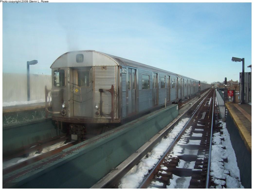 (169k, 1044x788)<br><b>Country:</b> United States<br><b>City:</b> New York<br><b>System:</b> New York City Transit<br><b>Line:</b> IND Fulton Street Line<br><b>Location:</b> 111th Street/Greenwood Avenue <br><b>Route:</b> A<br><b>Car:</b> R-32 (Budd, 1964)  3872 <br><b>Photo by:</b> Glenn L. Rowe<br><b>Date:</b> 12/22/2009<br><b>Viewed (this week/total):</b> 0 / 1052