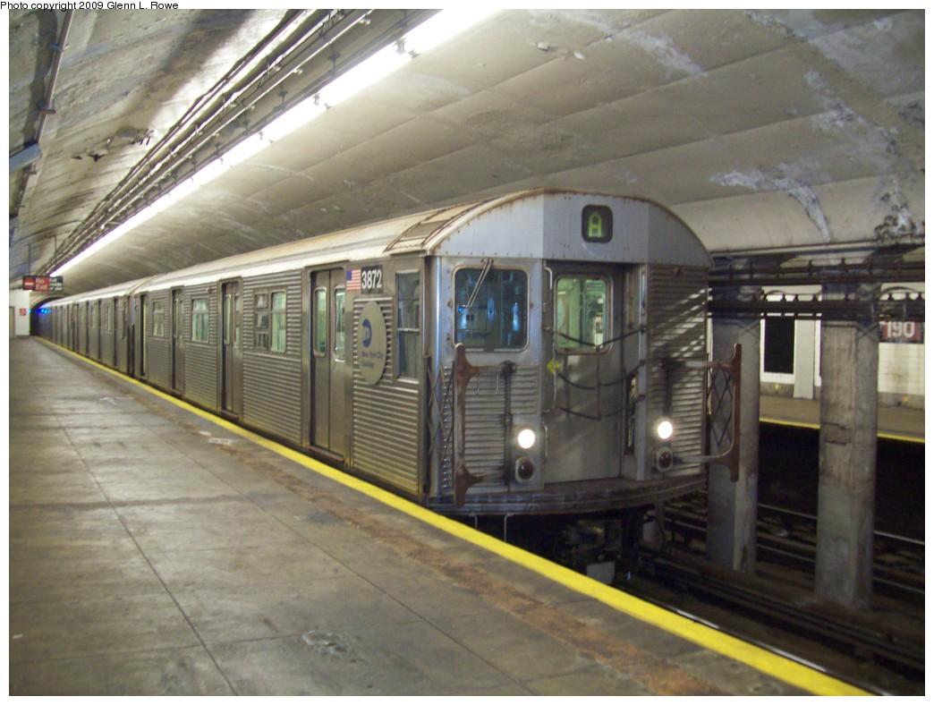 (196k, 1044x788)<br><b>Country:</b> United States<br><b>City:</b> New York<br><b>System:</b> New York City Transit<br><b>Line:</b> IND 8th Avenue Line<br><b>Location:</b> 190th Street/Overlook Terrace <br><b>Route:</b> A<br><b>Car:</b> R-32 (Budd, 1964)  3872 <br><b>Photo by:</b> Glenn L. Rowe<br><b>Date:</b> 12/23/2009<br><b>Viewed (this week/total):</b> 0 / 985
