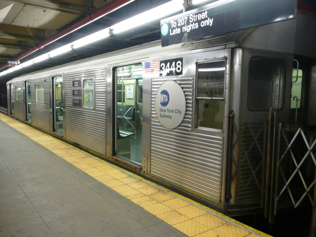 (102k, 1024x768)<br><b>Country:</b> United States<br><b>City:</b> New York<br><b>System:</b> New York City Transit<br><b>Line:</b> IND 8th Avenue Line<br><b>Location:</b> 168th Street <br><b>Route:</b> A<br><b>Car:</b> R-32 (Budd, 1964)  3448 <br><b>Photo by:</b> Robbie Rosenfeld<br><b>Date:</b> 12/17/2009<br><b>Viewed (this week/total):</b> 0 / 1245