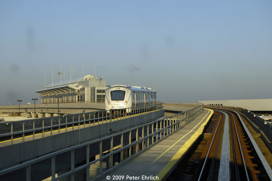 (132k, 930x618)<br><b>Country:</b> United States<br><b>City:</b> New York<br><b>System:</b> JFK Airtrain<br><b>Location:</b> Terminal 7 <br><b>Car:</b>  115 <br><b>Photo by:</b> Peter Ehrlich<br><b>Date:</b> 12/6/2009<br><b>Notes:</b> Terminal 7, clockwise train<br><b>Viewed (this week/total):</b> 0 / 613