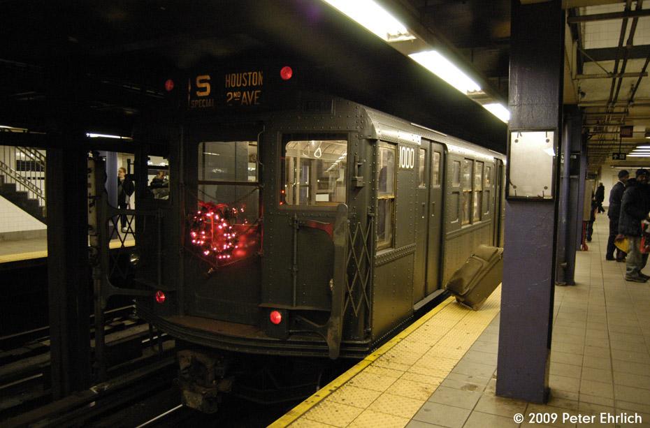 (171k, 930x613)<br><b>Country:</b> United States<br><b>City:</b> New York<br><b>System:</b> New York City Transit<br><b>Line:</b> IND Queens Boulevard Line<br><b>Location:</b> Queens Plaza <br><b>Car:</b> R-6-3 (American Car & Foundry, 1935)  1000 <br><b>Photo by:</b> Peter Ehrlich<br><b>Date:</b> 12/13/2009<br><b>Notes:</b> Outbound<br><b>Viewed (this week/total):</b> 0 / 985
