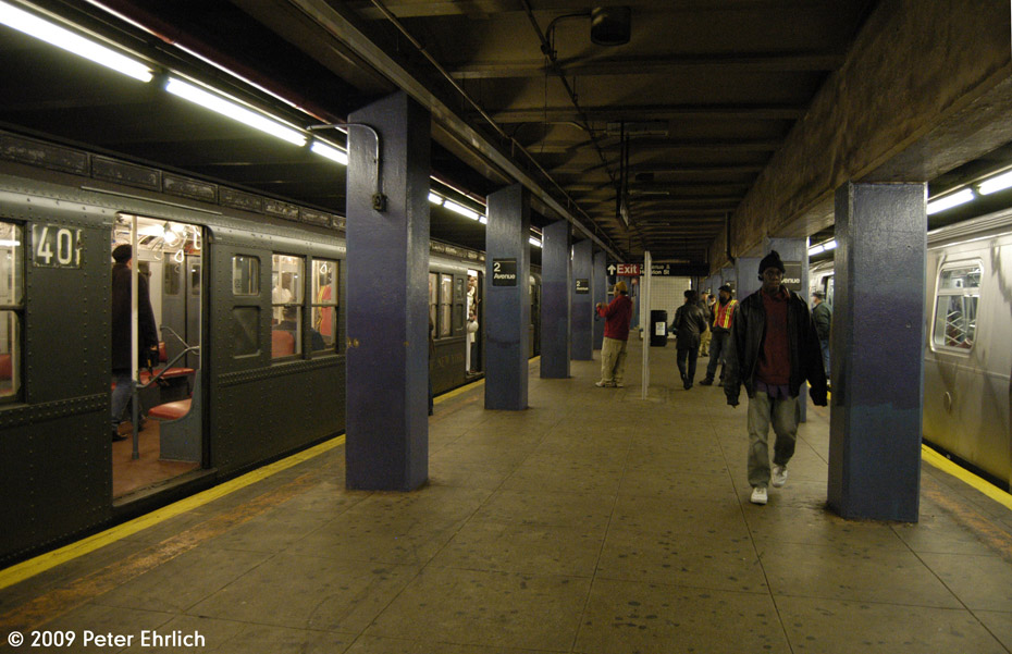 (174k, 930x601)<br><b>Country:</b> United States<br><b>City:</b> New York<br><b>System:</b> New York City Transit<br><b>Line:</b> IND 6th Avenue Line<br><b>Location:</b> 2nd Avenue <br><b>Car:</b> R-4 (American Car & Foundry, 1932-1933) 401 <br><b>Photo by:</b> Peter Ehrlich<br><b>Date:</b> 12/13/2009<br><b>Notes:</b> With R160 9855 outbound on right.<br><b>Viewed (this week/total):</b> 1 / 917