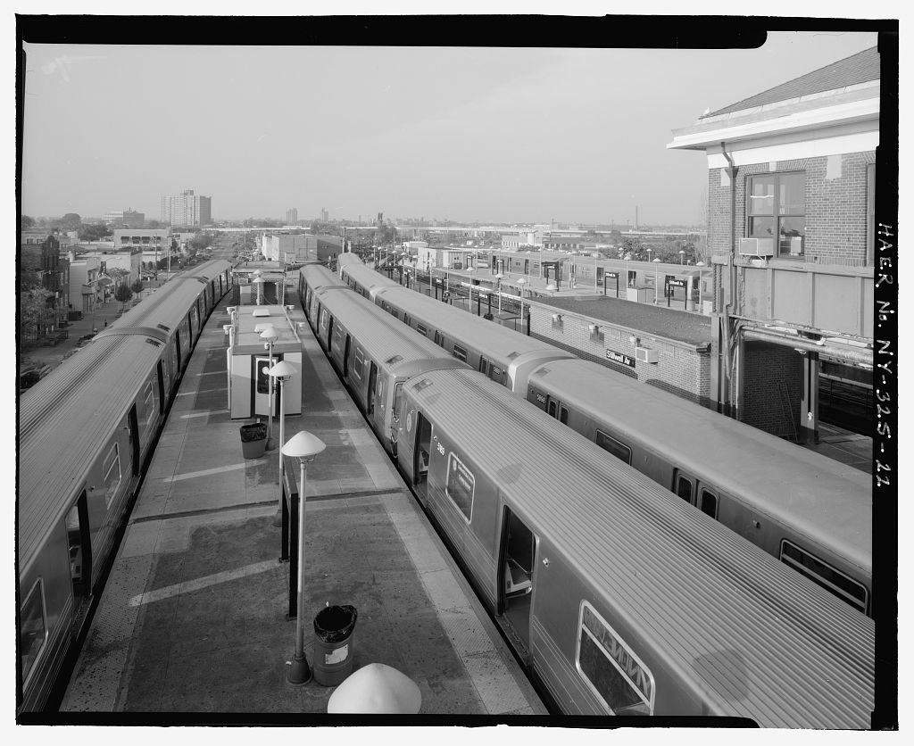 (136k, 1024x836)<br><b>Country:</b> United States<br><b>City:</b> New York<br><b>System:</b> New York City Transit<br><b>Location:</b> Coney Island/Stillwell Avenue<br><b>Photo by:</b> Rob Tucher, Historic American Engineering Record<br><b>Collection of:</b> Library of Congress, Prints and Photographs Division<br><b>Notes:</b> View of platforms and trains from RTO building elevated platform. Looking north.<br><b>Viewed (this week/total):</b> 2 / 1874