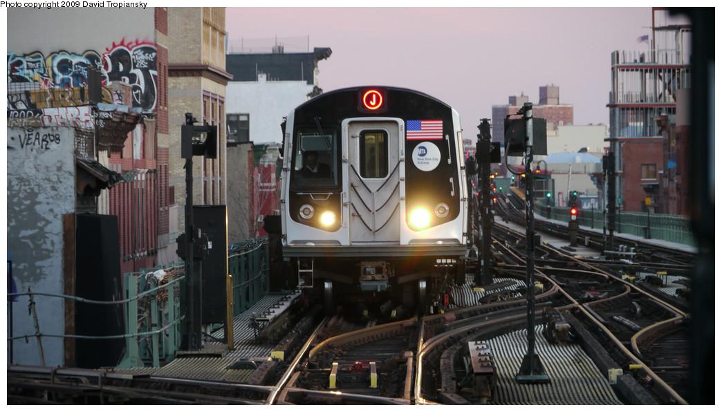 (220k, 1044x596)<br><b>Country:</b> United States<br><b>City:</b> New York<br><b>System:</b> New York City Transit<br><b>Line:</b> BMT Nassau Street/Jamaica Line<br><b>Location:</b> Myrtle Avenue <br><b>Route:</b> J<br><b>Car:</b> R-160A-1 (Alstom, 2005-2008, 4 car sets)   <br><b>Photo by:</b> David Tropiansky<br><b>Date:</b> 12/27/2009<br><b>Viewed (this week/total):</b> 4 / 2363