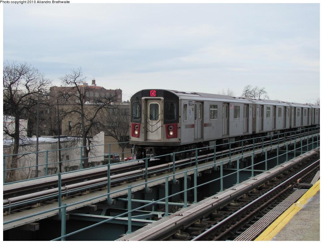 (221k, 1044x788)<br><b>Country:</b> United States<br><b>City:</b> New York<br><b>System:</b> New York City Transit<br><b>Line:</b> IRT Brooklyn Line<br><b>Location:</b> Rockaway Avenue <br><b>Route:</b> 4<br><b>Car:</b> R-142 (Option Order, Bombardier, 2002-2003)  1195 <br><b>Photo by:</b> Aliandro Brathwaite<br><b>Date:</b> 1/2/2010<br><b>Viewed (this week/total):</b> 1 / 1262