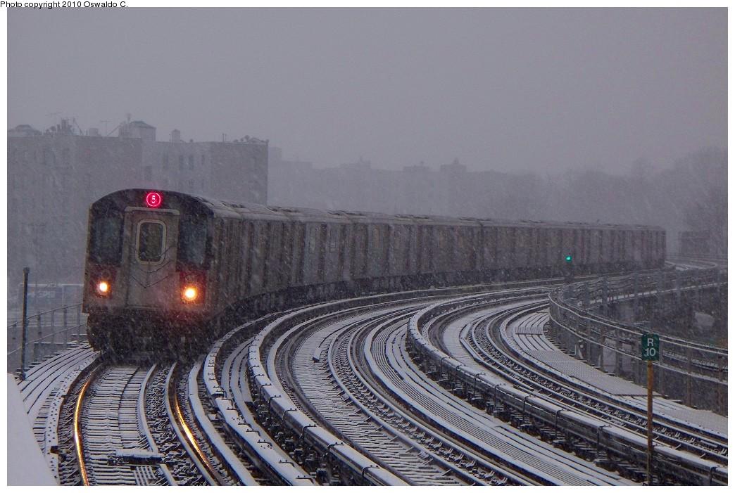 (225k, 1044x701)<br><b>Country:</b> United States<br><b>City:</b> New York<br><b>System:</b> New York City Transit<br><b>Line:</b> IRT White Plains Road Line<br><b>Location:</b> West Farms Sq./East Tremont Ave./177th St. <br><b>Route:</b> 5<br><b>Car:</b> R-142 or R-142A (Number Unknown)  <br><b>Photo by:</b> Oswaldo C.<br><b>Date:</b> 12/31/2009<br><b>Viewed (this week/total):</b> 0 / 1437