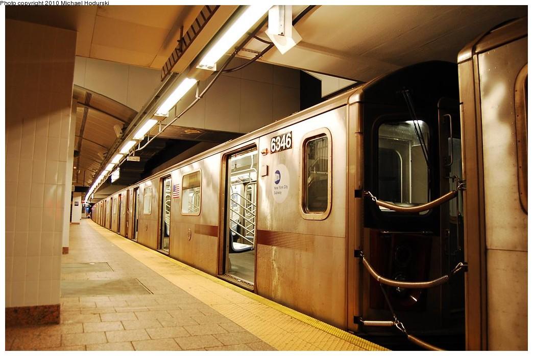 (210k, 1044x699)<br><b>Country:</b> United States<br><b>City:</b> New York<br><b>System:</b> New York City Transit<br><b>Line:</b> IRT West Side Line<br><b>Location:</b> South Ferry (New Station) <br><b>Route:</b> 2<br><b>Car:</b> R-142 (Primary Order, Bombardier, 1999-2002)  6346 <br><b>Photo by:</b> Michael Hodurski<br><b>Date:</b> 1/9/2010<br><b>Viewed (this week/total):</b> 3 / 1587