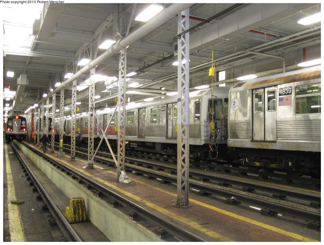 (257k, 1044x788)<br><b>Country:</b> United States<br><b>City:</b> New York<br><b>System:</b> New York City Transit<br><b>Location:</b> East New York Yard/Shops<br><b>Car:</b> R-42 (St. Louis, 1969-1970)  4812 <br><b>Photo by:</b> Robert Mencher<br><b>Date:</b> 1/4/2010<br><b>Viewed (this week/total):</b> 1 / 954