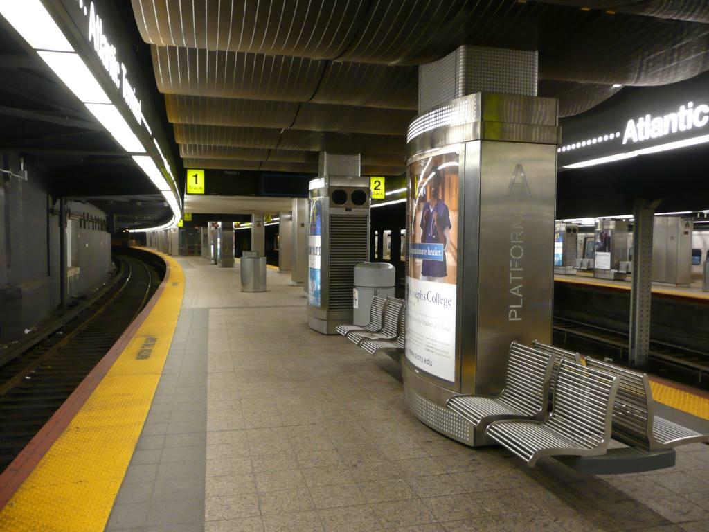 (129k, 1024x768)<br><b>Country:</b> United States<br><b>City:</b> New York<br><b>System:</b> Long Island Rail Road<br><b>Line:</b> LIRR Flatbush Ave.<br><b>Location:</b> Atlantic Terminal (Flatbush Avenue) <br><b>Photo by:</b> Robbie Rosenfeld<br><b>Date:</b> 1/11/2010<br><b>Viewed (this week/total):</b> 0 / 1762