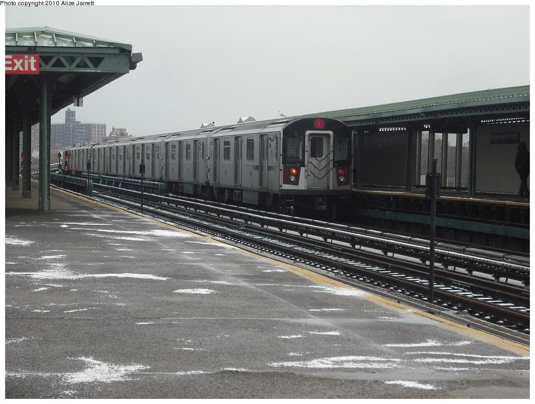 (229k, 1044x788)<br><b>Country:</b> United States<br><b>City:</b> New York<br><b>System:</b> New York City Transit<br><b>Line:</b> IRT Pelham Line<br><b>Location:</b> Westchester Square <br><b>Route:</b> 6<br><b>Car:</b> R-142A (Primary Order, Kawasaki, 1999-2002)  7601 <br><b>Photo by:</b> Alize Jarrett<br><b>Date:</b> 1/8/2010<br><b>Viewed (this week/total):</b> 1 / 1207