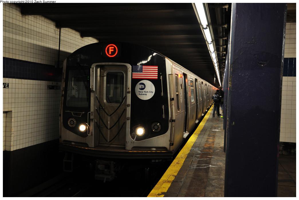 (191k, 1044x700)<br><b>Country:</b> United States<br><b>City:</b> New York<br><b>System:</b> New York City Transit<br><b>Line:</b> IND 6th Avenue Line<br><b>Location:</b> 2nd Avenue <br><b>Route:</b> F<br><b>Car:</b> R-160A (Option 1) (Alstom, 2008-2009, 5 car sets)  9412 <br><b>Photo by:</b> Zach Summer<br><b>Date:</b> 1/6/2010<br><b>Viewed (this week/total):</b> 1 / 1065