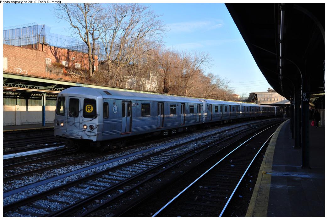 (306k, 1044x700)<br><b>Country:</b> United States<br><b>City:</b> New York<br><b>System:</b> New York City Transit<br><b>Line:</b> BMT Sea Beach Line<br><b>Location:</b> 8th Avenue <br><b>Route:</b> R put-in<br><b>Car:</b> R-46 (Pullman-Standard, 1974-75) 5778 <br><b>Photo by:</b> Zach Summer<br><b>Date:</b> 1/6/2010<br><b>Viewed (this week/total):</b> 0 / 1282