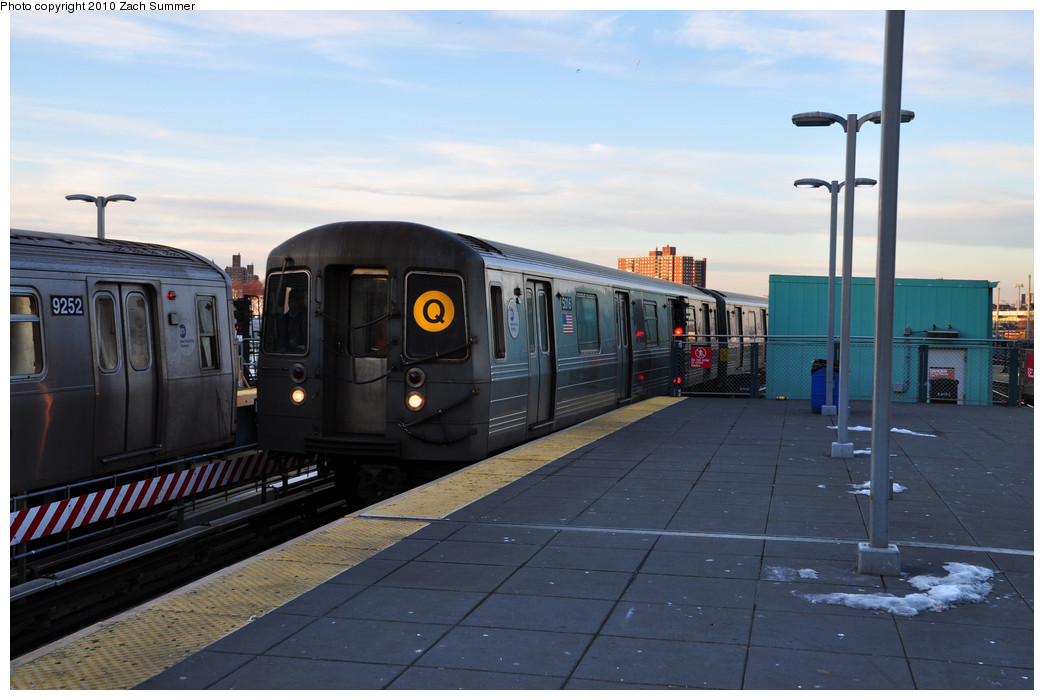 (203k, 1044x700)<br><b>Country:</b> United States<br><b>City:</b> New York<br><b>System:</b> New York City Transit<br><b>Location:</b> Coney Island/Stillwell Avenue<br><b>Route:</b> Q put-in<br><b>Car:</b> R-68A (Kawasaki, 1988-1989) 5016 <br><b>Photo by:</b> Zach Summer<br><b>Date:</b> 1/6/2010<br><b>Viewed (this week/total):</b> 1 / 1483