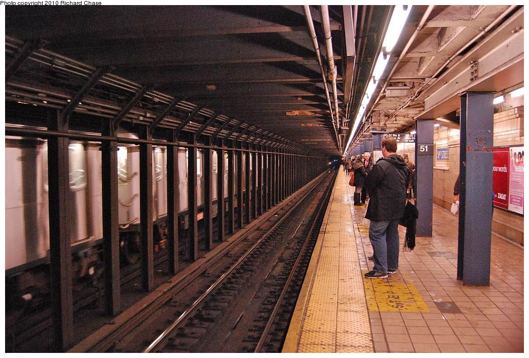 (244k, 1044x707)<br><b>Country:</b> United States<br><b>City:</b> New York<br><b>System:</b> New York City Transit<br><b>Line:</b> IRT East Side Line<br><b>Location:</b> 51st Street <br><b>Photo by:</b> Richard Chase<br><b>Date:</b> 12/27/2009<br><b>Viewed (this week/total):</b> 0 / 1291