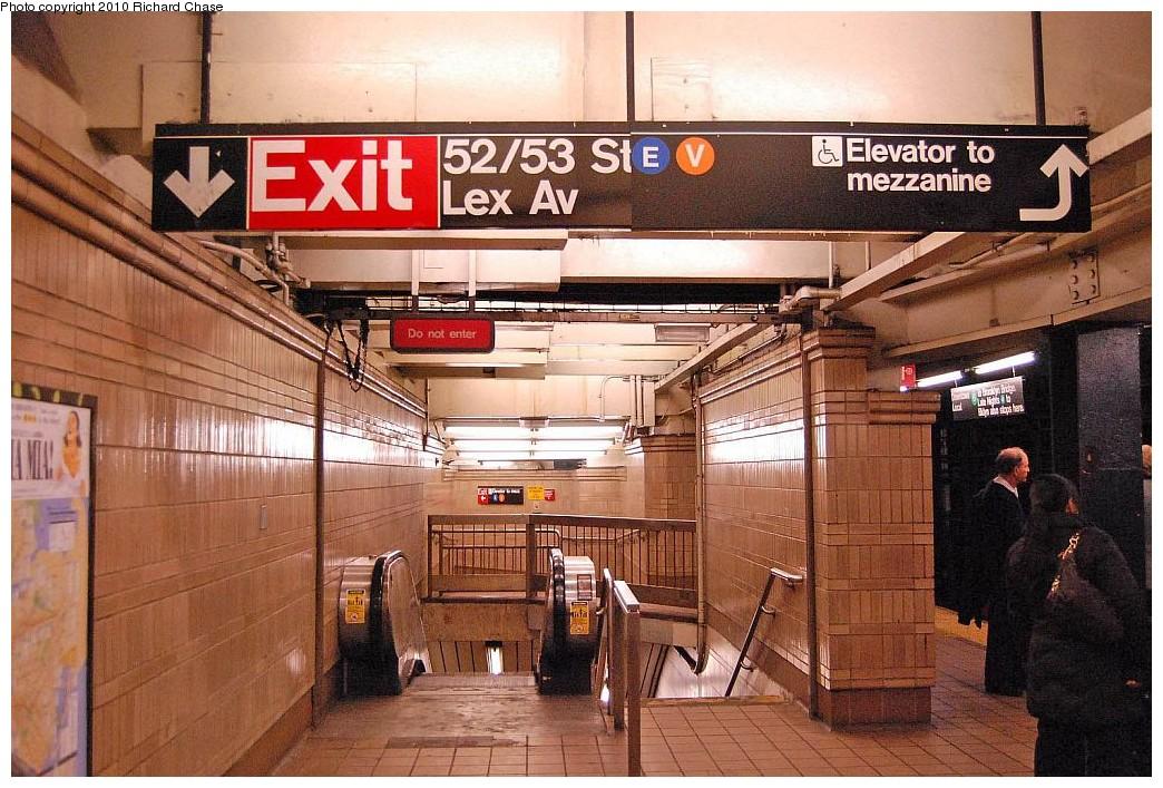 (241k, 1044x707)<br><b>Country:</b> United States<br><b>City:</b> New York<br><b>System:</b> New York City Transit<br><b>Line:</b> IRT East Side Line<br><b>Location:</b> 51st Street <br><b>Photo by:</b> Richard Chase<br><b>Date:</b> 12/27/2009<br><b>Notes:</b> Stair/escalator to underpass/transfer.<br><b>Viewed (this week/total):</b> 0 / 1718