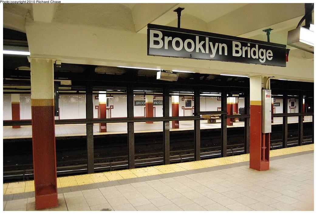 (202k, 1044x707)<br><b>Country:</b> United States<br><b>City:</b> New York<br><b>System:</b> New York City Transit<br><b>Line:</b> IRT East Side Line<br><b>Location:</b> Brooklyn Bridge/City Hall <br><b>Photo by:</b> Richard Chase<br><b>Date:</b> 12/27/2009<br><b>Notes:</b> Platform view.<br><b>Viewed (this week/total):</b> 0 / 2167