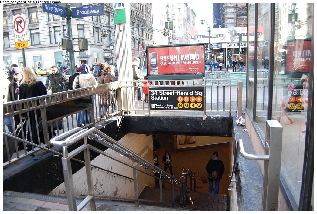 (259k, 1044x707)<br><b>Country:</b> United States<br><b>City:</b> New York<br><b>System:</b> New York City Transit<br><b>Line:</b> BMT Broadway Line<br><b>Location:</b> 34th Street/Herald Square <br><b>Photo by:</b> Richard Chase<br><b>Date:</b> 12/27/2009<br><b>Notes:</b> Station entrance - 34th & Broadway<br><b>Viewed (this week/total):</b> 4 / 3059