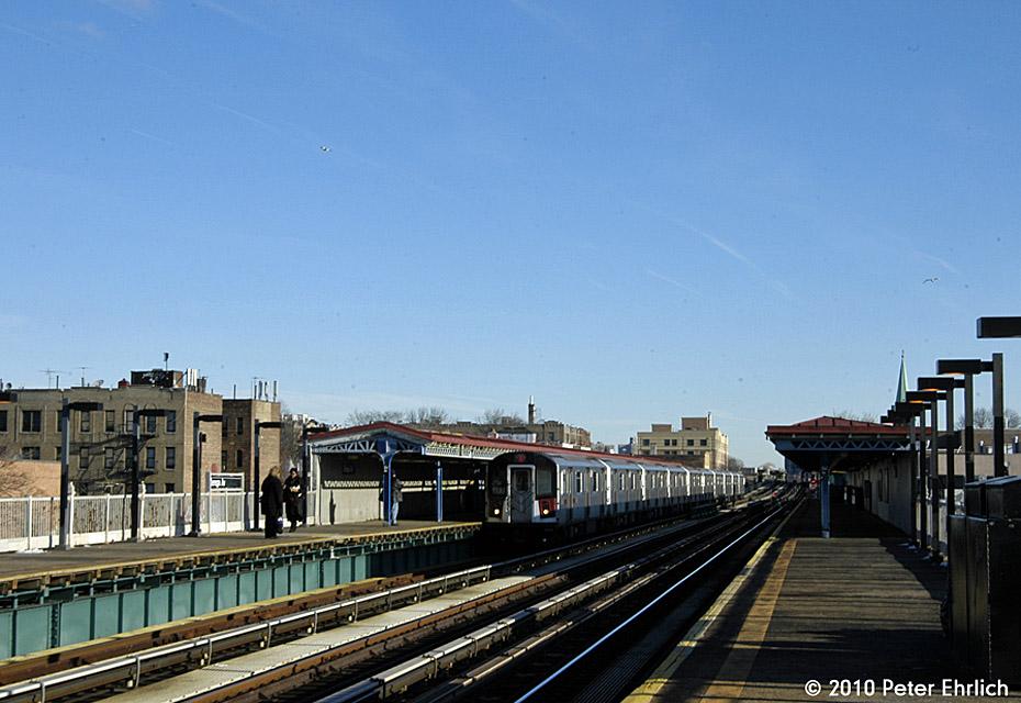 (172k, 930x640)<br><b>Country:</b> United States<br><b>City:</b> New York<br><b>System:</b> New York City Transit<br><b>Line:</b> IRT Pelham Line<br><b>Location:</b> Zerega Avenue <br><b>Route:</b> 6<br><b>Car:</b> R-142A (Primary Order, Kawasaki, 1999-2002)  7476 <br><b>Photo by:</b> Peter Ehrlich<br><b>Date:</b> 1/6/2010<br><b>Notes:</b> Inbound<br><b>Viewed (this week/total):</b> 1 / 1010