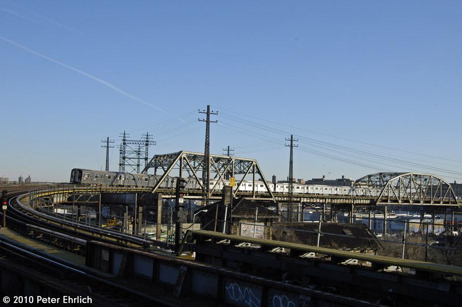 (147k, 930x618)<br><b>Country:</b> United States<br><b>City:</b> New York<br><b>System:</b> New York City Transit<br><b>Line:</b> IRT Pelham Line<br><b>Location:</b> Whitlock Avenue <br><b>Route:</b> 6<br><b>Car:</b> R-142A (Primary Order, Kawasaki, 1999-2002)  7486 <br><b>Photo by:</b> Peter Ehrlich<br><b>Date:</b> 1/6/2010<br><b>Notes:</b> Inbound<br><b>Viewed (this week/total):</b> 0 / 1085
