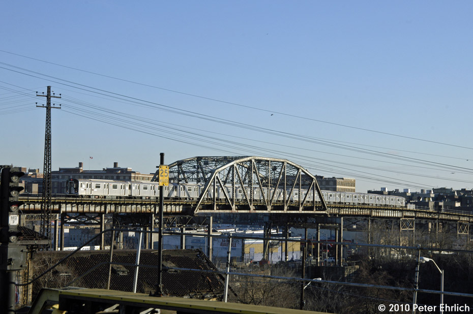 (170k, 930x618)<br><b>Country:</b> United States<br><b>City:</b> New York<br><b>System:</b> New York City Transit<br><b>Line:</b> IRT Pelham Line<br><b>Location:</b> Whitlock Avenue <br><b>Route:</b> 6<br><b>Car:</b> R-142A (Primary Order, Kawasaki, 1999-2002)  7561 <br><b>Photo by:</b> Peter Ehrlich<br><b>Date:</b> 1/6/2010<br><b>Notes:</b> Inbound<br><b>Viewed (this week/total):</b> 0 / 1105
