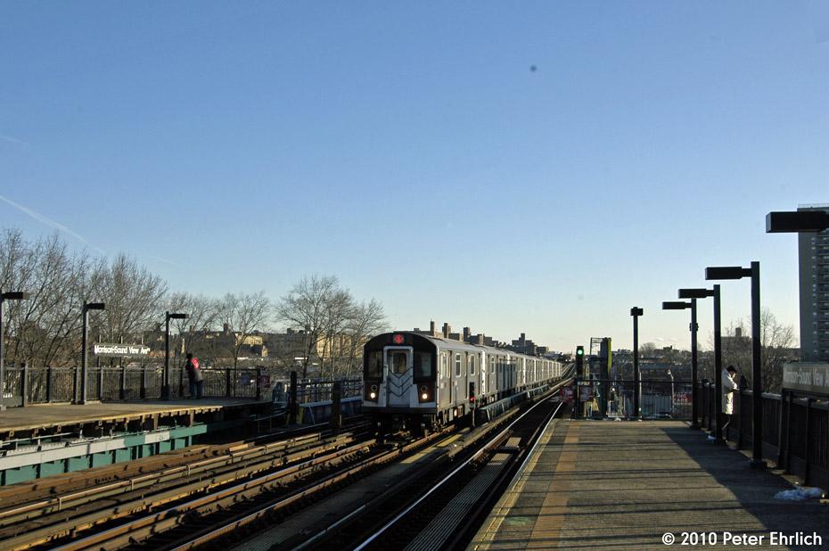 (160k, 930x618)<br><b>Country:</b> United States<br><b>City:</b> New York<br><b>System:</b> New York City Transit<br><b>Line:</b> IRT Pelham Line<br><b>Location:</b> Morrison/Soundview Aves. <br><b>Route:</b> 6<br><b>Car:</b> R-142A (Primary Order, Kawasaki, 1999-2002)  7606 <br><b>Photo by:</b> Peter Ehrlich<br><b>Date:</b> 1/6/2010<br><b>Notes:</b> Inbound express.<br><b>Viewed (this week/total):</b> 0 / 1007