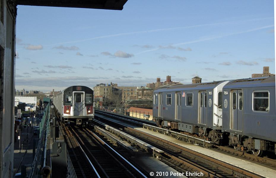 (158k, 930x600)<br><b>Country:</b> United States<br><b>City:</b> New York<br><b>System:</b> New York City Transit<br><b>Line:</b> IRT Pelham Line<br><b>Location:</b> Castle Hill Avenue <br><b>Route:</b> 6<br><b>Car:</b> R-142A (Option Order, Kawasaki, 2002-2003)  7620 <br><b>Photo by:</b> Peter Ehrlich<br><b>Date:</b> 1/6/2010<br><b>Notes:</b> Outbound. With 7655 leaving inbound.<br><b>Viewed (this week/total):</b> 0 / 1021