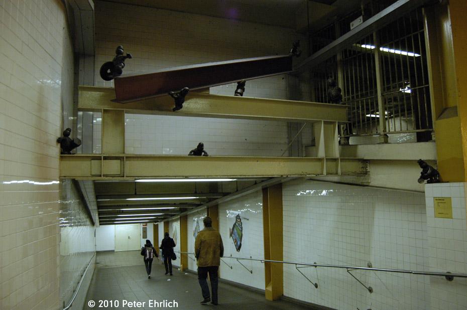 (165k, 930x618)<br><b>Country:</b> United States<br><b>City:</b> New York<br><b>System:</b> New York City Transit<br><b>Line:</b> BMT Canarsie Line<br><b>Location:</b> 8th Avenue <br><b>Photo by:</b> Peter Ehrlich<br><b>Date:</b> 1/6/2010<br><b>Artwork:</b> <i>Life Underground</i>, Tom Otterness (2000).<br><b>Viewed (this week/total):</b> 1 / 2824