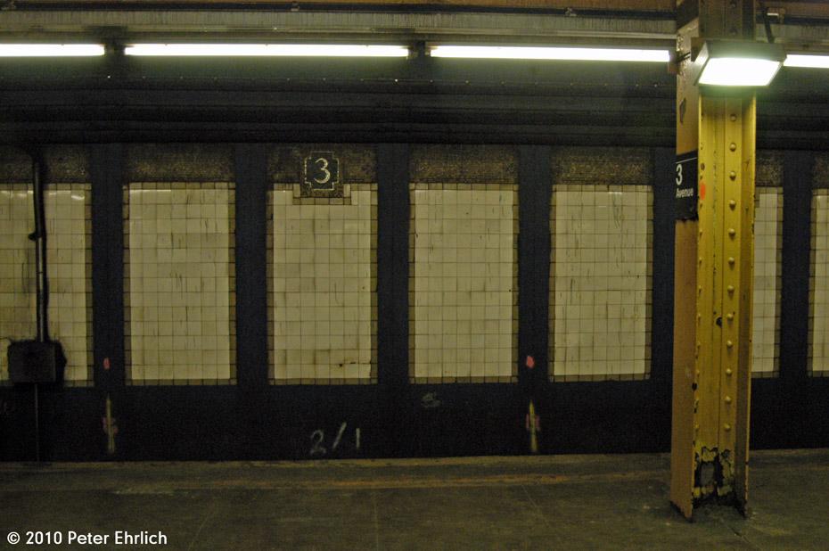 (173k, 930x618)<br><b>Country:</b> United States<br><b>City:</b> New York<br><b>System:</b> New York City Transit<br><b>Line:</b> IRT Pelham Line<br><b>Location:</b> 3rd Avenue/138th Street <br><b>Photo by:</b> Peter Ehrlich<br><b>Date:</b> 1/6/2010<br><b>Viewed (this week/total):</b> 1 / 1002
