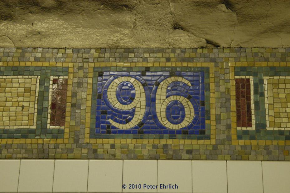 (195k, 930x618)<br><b>Country:</b> United States<br><b>City:</b> New York<br><b>System:</b> New York City Transit<br><b>Line:</b> IRT East Side Line<br><b>Location:</b> 96th Street <br><b>Photo by:</b> Peter Ehrlich<br><b>Date:</b> 1/6/2010<br><b>Viewed (this week/total):</b> 1 / 845