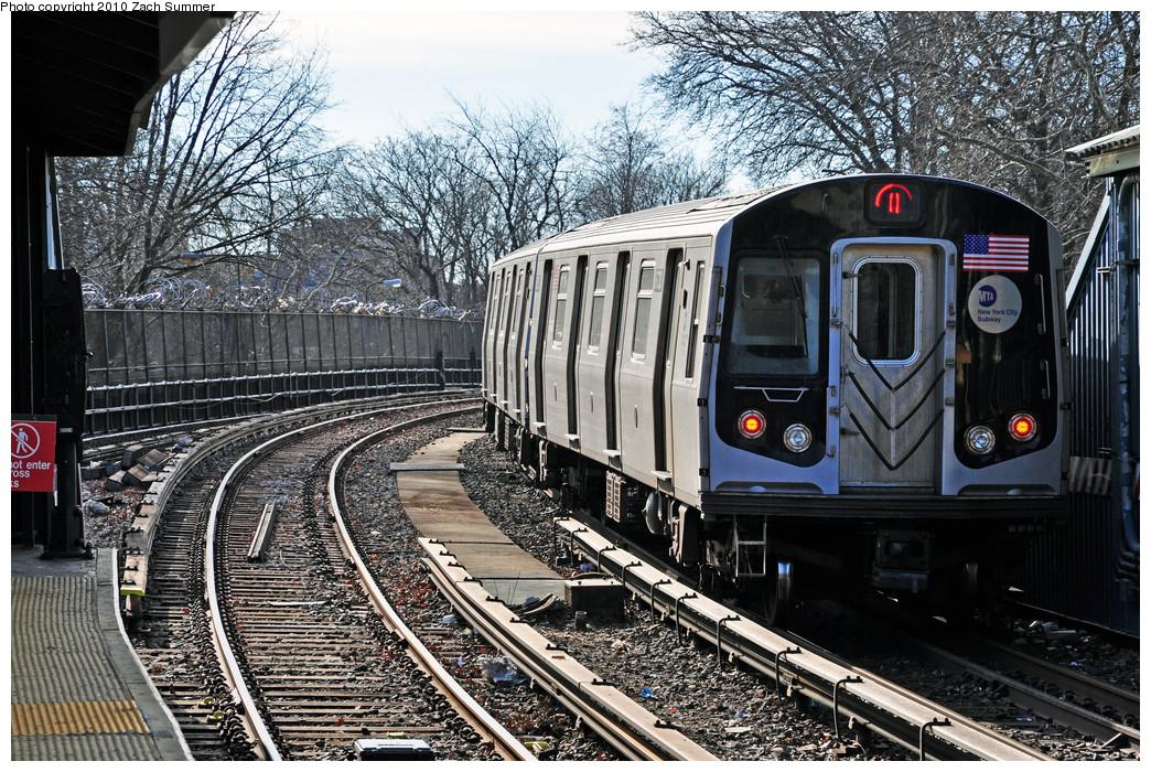 (395k, 1044x700)<br><b>Country:</b> United States<br><b>City:</b> New York<br><b>System:</b> New York City Transit<br><b>Line:</b> BMT Brighton Line<br><b>Location:</b> Sheepshead Bay <br><b>Route:</b> Q<br><b>Car:</b> R-160B (Kawasaki, 2005-2008)  8733 <br><b>Photo by:</b> Zach Summer<br><b>Date:</b> 1/7/2010<br><b>Viewed (this week/total):</b> 0 / 1141