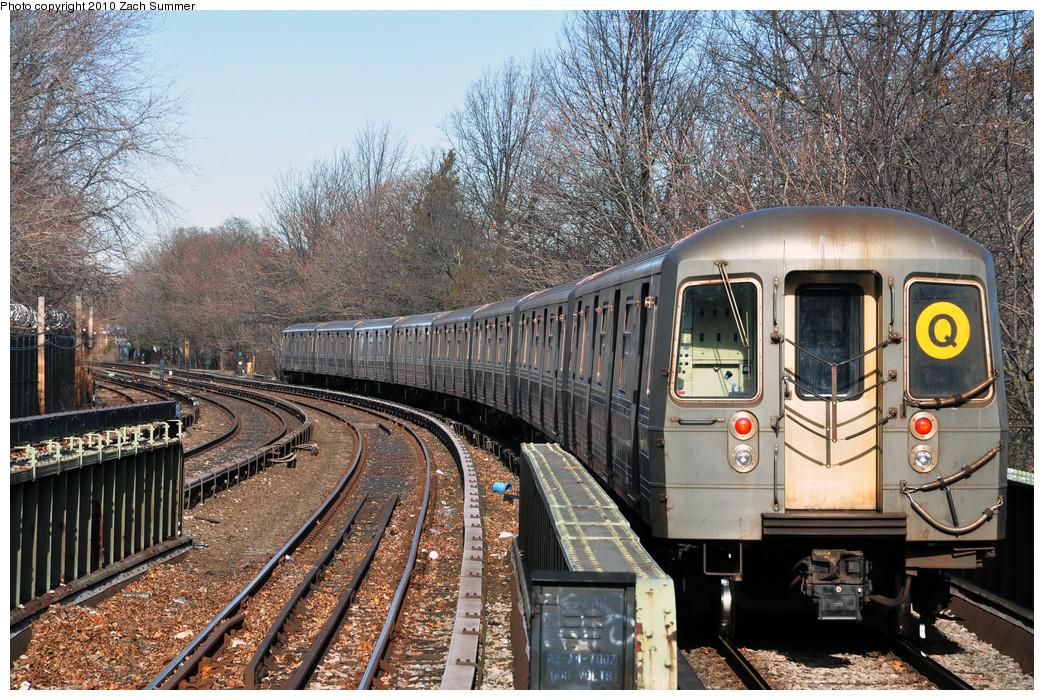 (397k, 1044x700)<br><b>Country:</b> United States<br><b>City:</b> New York<br><b>System:</b> New York City Transit<br><b>Line:</b> BMT Brighton Line<br><b>Location:</b> Sheepshead Bay <br><b>Route:</b> Q<br><b>Car:</b> R-68A (Kawasaki, 1988-1989)  5178 <br><b>Photo by:</b> Zach Summer<br><b>Date:</b> 1/7/2010<br><b>Viewed (this week/total):</b> 2 / 1221