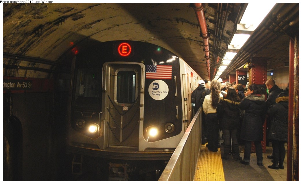 (175k, 1044x636)<br><b>Country:</b> United States<br><b>City:</b> New York<br><b>System:</b> New York City Transit<br><b>Line:</b> IND Queens Boulevard Line<br><b>Location:</b> Lexington Avenue-53rd Street <br><b>Route:</b> E<br><b>Car:</b> R-160A/R-160B Series (Number Unknown)  <br><b>Photo by:</b> Lee Winson<br><b>Date:</b> 12/27/2009<br><b>Viewed (this week/total):</b> 0 / 1833