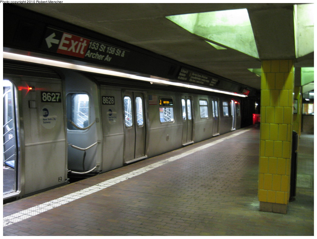 (191k, 1044x788)<br><b>Country:</b> United States<br><b>City:</b> New York<br><b>System:</b> New York City Transit<br><b>Line:</b> BMT Nassau Street/Jamaica Line<br><b>Location:</b> Jamaica Center/Parsons-Archer <br><b>Route:</b> J<br><b>Car:</b> R-160A-1 (Alstom, 2005-2008, 4 car sets)  8628 <br><b>Photo by:</b> Robert Mencher<br><b>Date:</b> 1/16/2010<br><b>Viewed (this week/total):</b> 0 / 1099