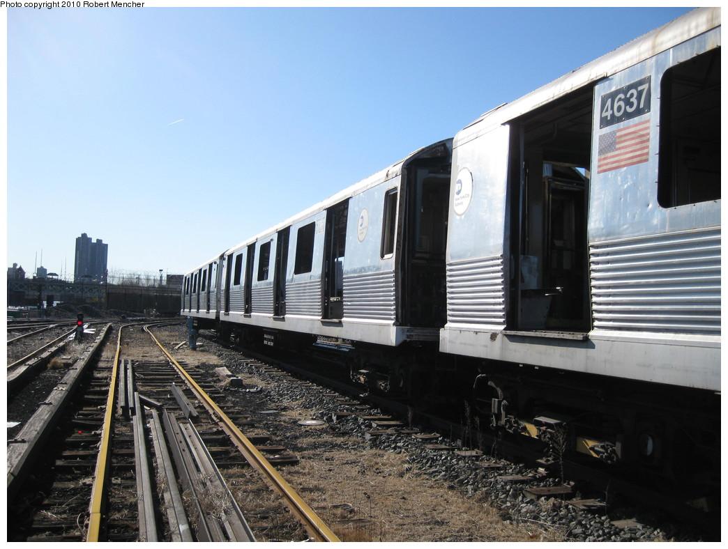 (221k, 1044x788)<br><b>Country:</b> United States<br><b>City:</b> New York<br><b>System:</b> New York City Transit<br><b>Location:</b> 207th Street Yard<br><b>Car:</b> R-42 (St. Louis, 1969-1970)  4637 <br><b>Photo by:</b> Robert Mencher<br><b>Date:</b> 1/18/2010<br><b>Notes:</b> Scrap<br><b>Viewed (this week/total):</b> 1 / 557
