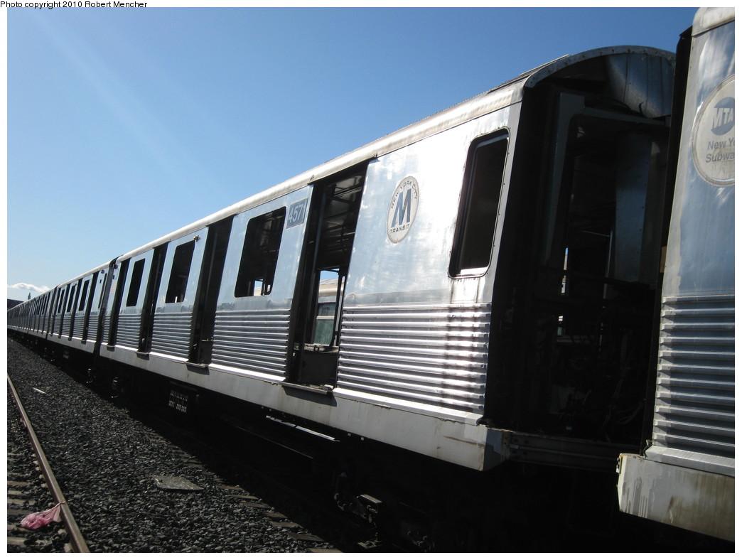 (184k, 1044x788)<br><b>Country:</b> United States<br><b>City:</b> New York<br><b>System:</b> New York City Transit<br><b>Location:</b> 207th Street Yard<br><b>Car:</b> R-42 (St. Louis, 1969-1970)  4571 <br><b>Photo by:</b> Robert Mencher<br><b>Date:</b> 1/18/2010<br><b>Notes:</b> Scrap<br><b>Viewed (this week/total):</b> 0 / 566