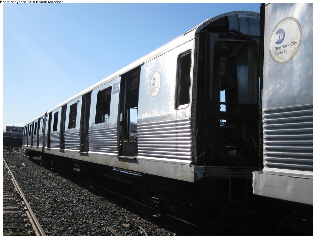 (192k, 1044x788)<br><b>Country:</b> United States<br><b>City:</b> New York<br><b>System:</b> New York City Transit<br><b>Location:</b> 207th Street Yard<br><b>Car:</b> R-42 (St. Louis, 1969-1970)  4742 <br><b>Photo by:</b> Robert Mencher<br><b>Date:</b> 1/18/2010<br><b>Notes:</b> Scrap<br><b>Viewed (this week/total):</b> 4 / 688