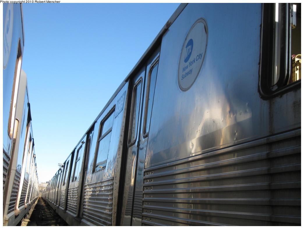 (183k, 1044x788)<br><b>Country:</b> United States<br><b>City:</b> New York<br><b>System:</b> New York City Transit<br><b>Location:</b> 207th Street Yard<br><b>Car:</b> R-42 (St. Louis, 1969-1970)  4569 <br><b>Photo by:</b> Robert Mencher<br><b>Date:</b> 1/18/2010<br><b>Notes:</b> Scrap<br><b>Viewed (this week/total):</b> 0 / 652